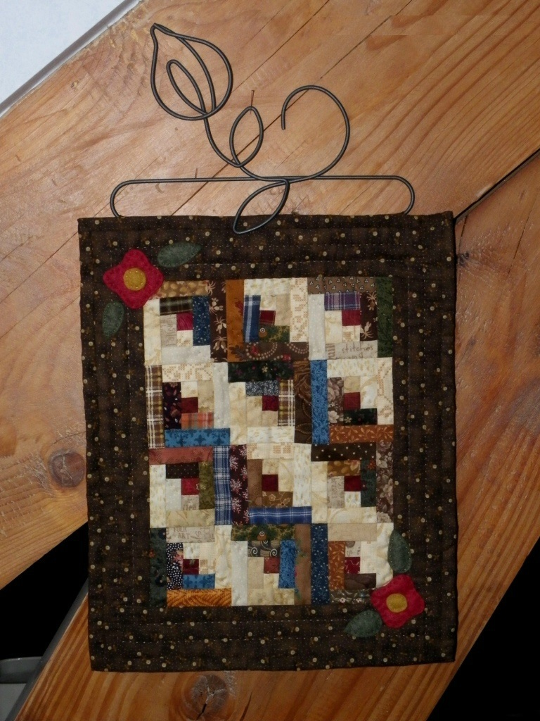 quilt miniature log cabin