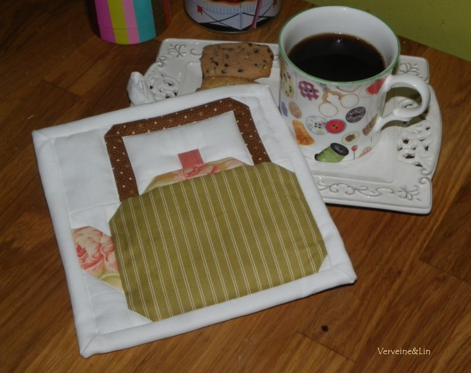 quilt miniature tea pot